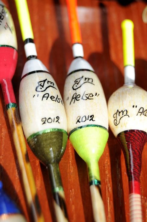 Johns Posen werden teilweilse mit mehreren unterschiedlichen Garnen gewickelt. Das macht sie stabil und farbenfroh.